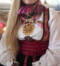 FINN – Beltestakk med mye utstyr og sølv Russian Fashion, Russian Style, Trondheim Norway, Folk Costume, Summer Outfits Women, Traditional Outfits, Style Icons, To My Daughter, Beautiful People