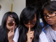 funny with them ☜(ˆ▽ˆ)