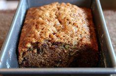 Zucchini Bread or Muffins (Smitten Kitchen) Zucchini Bread Muffins, Zuchinni Bread, Best Zucchini Bread, Zucchini Bread Recipes, Courgette Bread, Zucchini Loaf, Recipe Zucchini, Delicious Desserts, Dessert Recipes