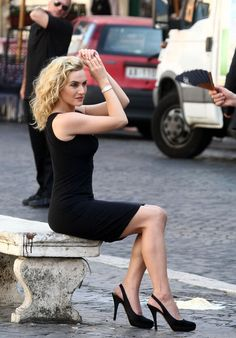 Kate Winslet in Black Heels