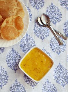Aamras with Khoya and Poori @ http://www.kitchenflavours.net/2014/05/dads-favourite-aamras-with-khoya.html