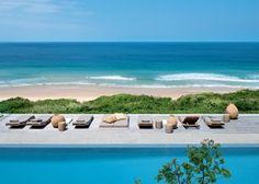 Une plage, entre piscine et océan - Marie Claire Maison