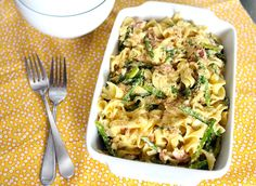 Pasta Carbonara w/Asparagus, Pancetta,  Lemon Herb Breadcrumbs is a tasty pasta dish perfect for any day of the week!