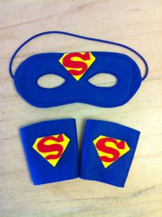 Kits super heróis, composto de mascara e bracelete, ideal para lembrancinhas e … Superhero kits, composed of mask and bracelet, ideal for souvenirs and to be distributed at parties. Gifts For Boys, Gifts For Women, Spa Party Favors, Diy Popsicle Stick Crafts, Superman Birthday, Dragon Birthday, Felt Crafts, Paper Crafts, Super Hero Costumes