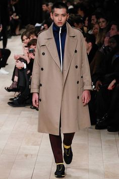Burberry Fall/Winter 2016/17 - London Collections: MEN - Male Fashion Trends