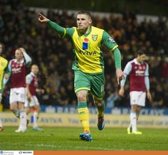 Gary Hooper celebrating his 54th minute equaliser in Norwich City's 3-1 win over West Ham
