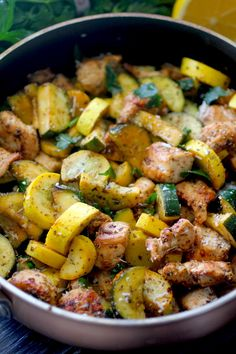 This Lemon Parmesan Chicken & Zucchini Skillet Dinner is fresh, delicious, and bursting with flavor in every bite! All you need is minutes, a few simple ingredients, one skillet; And you have a dinner that every is sure love! Healthy Dinner Recipes, Cooking Recipes, Healthy Zucchini Recipes, Zucchini Dinner Recipes, Vegan Zucchini, Keto Recipes, Recipes For Clean Eating, Clean Eating Lunches, Zuchinni Recipes