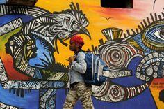 Callejon de Hamel, Graffiti in Havana by Salvador Gonzales Escalona Santeria, Cuba Graffiti Artwork, Street Art Graffiti, Cuba Street, Installation Street Art, Cuban Art, Best Street Art, People Art, Western Art, Texture Art