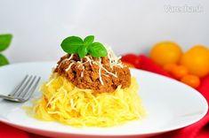 """Fit tekvicové """"špagety"""" s mletým morčacím mäsom v paradajkovej omáčke (videorecept)"""