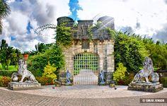 Instituto Ricardo Brennand  está sediado em um complexo arquitetônico em estilo medieval, composto por trés prédios: Museu Castelo São João, Pinacoteca e Galeria, circundados por um vasto parque. Recife-PE - Brasil