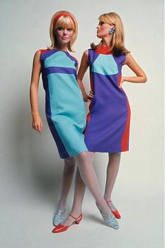 Retro Fashion Robert Sloan Dresses, David McCabe 1966 shift dress space age mod go go purple blue orange models vintage fashion print ad - The most amazing place for women's fashion. 1960s Mod Fashion, 60s Fashion Trends, Sixties Fashion, Retro Fashion, Vintage Fashion, 50 Fashion, Classy Fashion, School Fashion, Gothic Fashion