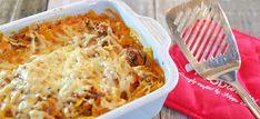 Deze heerlijke pasta-ovenschotel met ricotta-tomatensaus, groenten, gehakt en gesmolten kaas is erg makkelijk te maken. Bekijk hier het recept. Weight Watchers Meals, Penne, Macaroni And Cheese, Quiches, Ethnic Recipes, Pizza, Drinks, Food, Italia