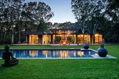 Robins Way Residence by Bates Masi Architects