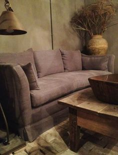 Mooie bank Belgian Style, Living Spaces, Living Room, Sweet Home, Small Rooms, Decoration, Home Projects, Beautiful Homes, Upholstery