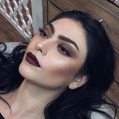 Orgulho da minha irmã! Maquiagem que a @manucalegari fez  no ateliê! Tô apaixonada!  Agendamentos (44) 9135-0240  #brigittecalegari #manucalegari #maringá #maquiagemmaringa #makeup #makeupartist #maccosmetics @maccosmetics #makeupforever @makeupforeverofficial #anastasiabeverlyhills  #vegas_nay @vegas_nay #universodamaquiagem_oficial @universodamaquiagem_oficial #maquiagemx #pausaparafeminices @pausaparafeminices #wakeupandmakeup #hudabeauty @toofaced #toofaced @nyxcosmetics #nyxcosmet...