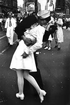 Kissing On VJ Day - Nurse Kissing Sailor, Art Poster Full Size Poster Print, 24x36 by Generic, http://www.amazon.com/dp/B000TYFGVU/ref=cm_sw_r_pi_dp_Irtzqb1REVPMR