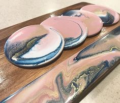 This colour palette is definitely a favourite at the moment . blush pink, white and navy! I really love the fine detail in this board! Acrylic Pouring Art, Acrylic Art, Epoxy Resin Art, Fluid Acrylics, Pour Painting, Resin Crafts, Ink Art, Blush Pink, Pink White