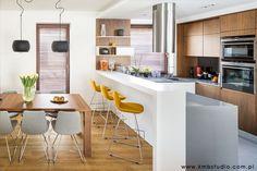 Jadalnia, otwarta kuchnia, kuchnia z jadalnią, meble do jadalni, aranżacja jadalni. Zobacz więcej na: https://www.homify.pl/katalogi-inspiracji/23515/homify-360-przytulne-ale-i-nowoczesne-wnetrze-domu-w-kryspinowie