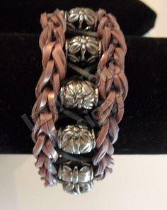 Beaded Infinity Loop Bronze & Black Bracelet using the Rainbow Loom
