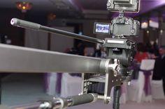 Filmare nunta cu macara video. Fotograf nunta Bucuresti, servicii foto-video nunta, botez, evenimente, raport calitate pret excelent. Filmare Full HD.