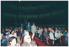 Homenaxe  Homenaxe a Manuel María, organizado pola AS-PG o 15 de setembro de 1995: Manuel María e Alberte Ansede, no teatro Rosalía de Castro da Coruña.  Arquivo familiar (1995)