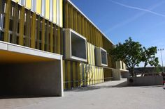 Vertical louvers on high school by Batlle & Roig [500] | filt3rs