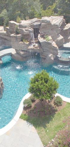 Large backyard paradise Pool with waterfall Insane Pools, Amazing Swimming Pools, Swimming Pool Designs, Cool Pools, Awesome Pools, Pool Spa, Backyard Paradise, Desert Backyard, Luxury Pools