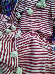 This stylish striped Moroccan blanket has been handwoven for us from 100% virgin wool on traditional looms in Essaouira. Hand woven using