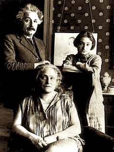 #alberteinstein with wife Elsa and her daughter, Margot.