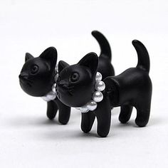 Single Harajuku Stereo Pearl Cat Earrings - USD $ 1.99 #Cat #pearl How cute is this?