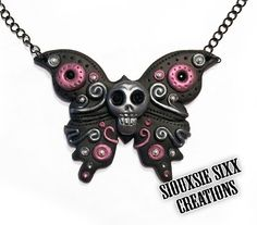 Skull Butterfly Pendant made of Polymer by SiouxsieSixxCreation, €15.00