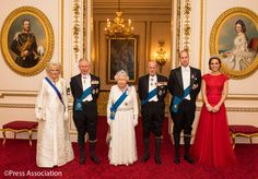 (Left to right) The Duchess of Cornwall, the Prince of Wales, Queen Elizabeth II, the Duke of Edinburgh, and Duke and Duchess of Cambridge arrive for the annual evening reception for members of the Diplomatic Corps at Buckingham Palace Princess Kate, Princess Diana Tiara, Princesa Diana, Lady Diana, Duchess Of Cornwall, Duchess Of Cambridge, Buckingham Palace, Principe William Y Kate, Lovers Knot Tiara