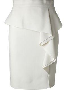 Emilio Pucci Side Ruffle Peplum Skirt perfect for soft gamine. Denim Fashion, Gypsy Fashion, Estilo Jeans, White Peplum, Emilio Pucci, Skirt Outfits, High Waisted Skirt, Waist Skirt, Fashion Dresses
