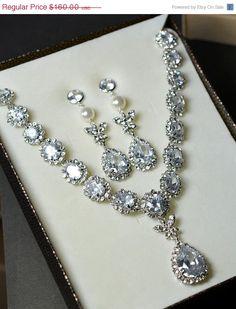 20OFF Wedding jewelry  Bridal bib necklace  by thefabbridaljewelry, $128.00