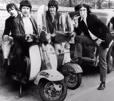 The Kinks: trying out scooters