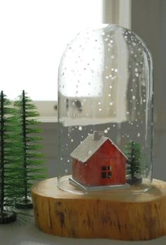 Christmas DIY Craft Project: How To Make an Etched Snow Globe — Apartment Therapy Tutorial (Apartment Therapy Main) Noel Christmas, Christmas Projects, Winter Christmas, All Things Christmas, Xmas, Christmas Houses, Diy Holiday Gifts, Holiday Crafts, Holiday Fun