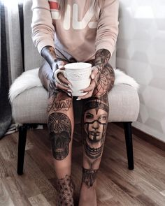 Tattooed girl Jessica Rosen