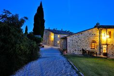 borgo torale Umbria Italy, Brick, In This Moment, Mansions, House Styles, Building, Places, Life, Manor Houses
