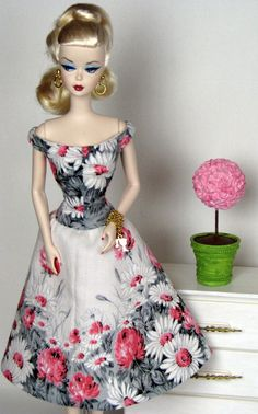 Pink and gray cotton dress for Silkstone Barbie by HankieChic on Etsy now♥ ~ ✿⊱╮♥ ~ :-)  ♥ ~ ✿⊱╮♥ ~ :-)
