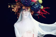 Elizaveta Porodina e o novo olhar para a fotografia de moda | BLCKDMNDS