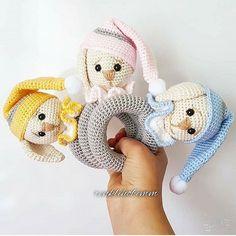Я не простая! ⠀⠀ В моих 50 граммах целых 105 ме… Ich bin nicht einfach! ⠀⠀ In meinen 50 Gramm nicht weniger als 105 Meter Bio-Baumwolle! Crochet Baby Toys, Baby Girl Crochet, Crochet Bunny, Crochet Home, Crochet Gifts, Crochet For Kids, Baby Knitting, Crochet Dolls Free Patterns, Amigurumi Patterns