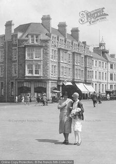Photo of Ladies Promenading Part of The Francis Frith Collection of historic photographs of Britain. Did you know you can browse the archive online today for free? Your nostalgic journey has begun. Penzance Cornwall, Nostalgic Images, Cornwall England, Boater, British Style, Life Images, Vintage Photography, Vintage Images, Devon
