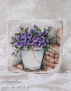 Purple roses in a flower pot decorated cookie art. Beautiful! Олеся Голумбевская  Galleta decorada.