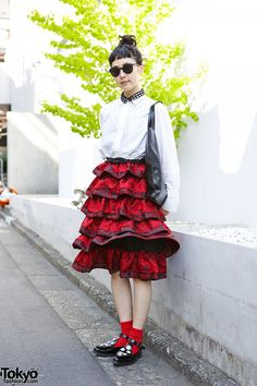 Tricot Comme des Garcons ruffle skirt, a black cutout collar, and pointy Unbilical (by Tokyo Bopper) flats #tokyofashion        II Tokyofashion.com