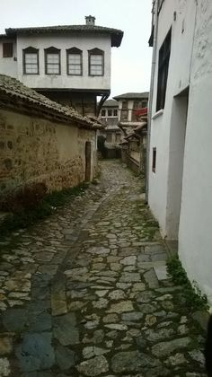 DOLTSO KASTORIA MACEDONIA NORTHERN GREECE Macedonia Greece, House Doors, Alexander The Great, Ancient Greek, Bulgaria, Old Houses, Traveling, Landscape, Street