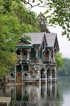 Adirondack cabin with boat house near Lake Placid, NY - House Architecture Beautiful Buildings, Beautiful Homes, Beautiful Places, Beautiful Pictures, Lake Cabins, Cabins And Cottages, Rustic Stone, Rustic Wood, Fireplace Design