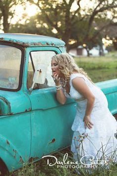 Old truck portraits, Rustic bridals, Outdoor bridals, Country Bridals