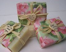 Summer wedding favors soaps , 30 handmade soaps, favor soaps, rustic wedding,  wooden heart.