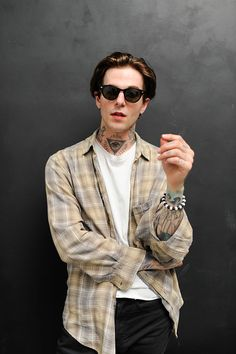 LOS ANGELES, CA - APRIL Musician Jesse Rutherford of 'The Neighbourhood' attends the book launch for '&' at FourTwoFour on Fairfax on April 2016 in Los Angeles, California. (Photo by Emma McIntyre/Getty Images) Jesse Rutherford, Beautiful Boys, Pretty Boys, Beautiful People, Jesse James, The Neighbourhood, Indie, Book Launch, Foo Fighters