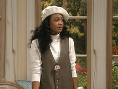 These Ashley Banks inspired looks are going to be perfect for fall this year! Get ready for autumn with these great Fresh Prince styles! Fashion 90s, Look Fashion, Retro Fashion, Fashion Outfits, Womens Fashion, Fall Fashion, Vintage Fashion, Ashley Banks Outfits, Classic Outfits